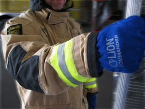 Evaluating firefighting gloves
